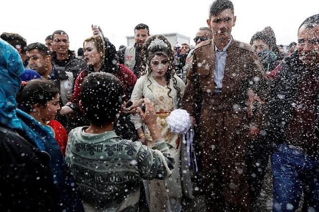 Η θλιμμένη νύφη της Μοσούλης: Ένας γάμος στα ερείπια του ISIS