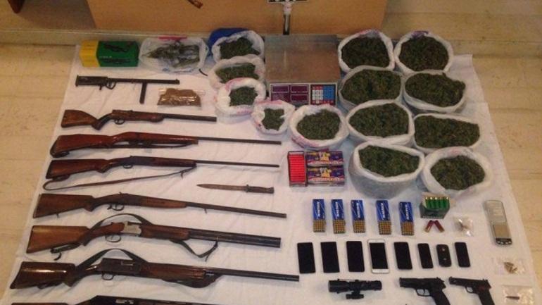 Ρέθυμνο: Συλλήψεις για ναρκωτικά και όπλα