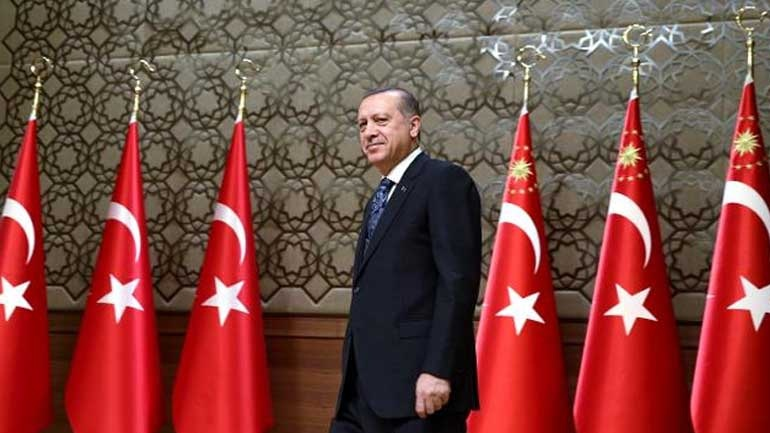 Cumhuriyet: Ο Ερντογάν ετοιμάζει παράλληλο στρατό για την αποφυγή νέου πραξικοπήματος