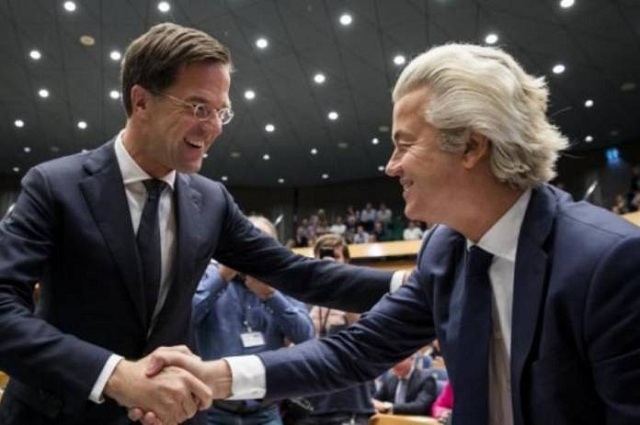 Ολλανδία: Πρώτοι σε έδρες οι εθνικιστές. Μάχη Βίλντερς – Ρούτε