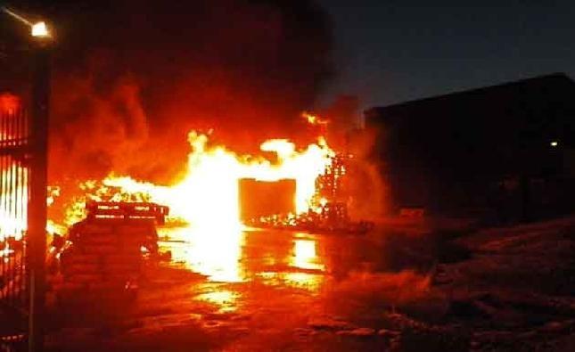 Κάηκε ολοσχερώς τυροκομική μονάδα έξω από τη Λάρισα