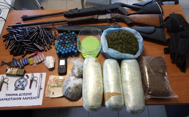 Ζευγάρι συνελήφθη για διακίνηση ναρκωτικών και παράνομη οπλοκατοχή