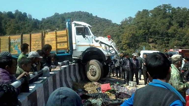 Ινδία: Ανατροπή φορτηγού με 17 νεκρούς και 62 τραυματίες