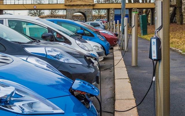 Ποια χώρα θα έχει μόνο ηλεκτρικά αυτοκίνητα το 2025;