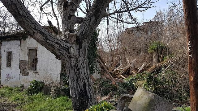 Γκρεμίστηκε το σπίτι του Αγίου Εφραίμ στα Τρίκαλα