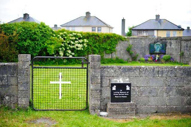 Βρέθηκε ομαδικός τάφος με πάνω από 800 παιδιά και βρέφη στην Ιρλανδία