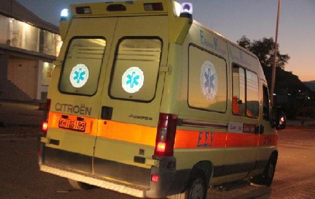 Απεγκλωβισμός οδηγού μετά από εκτροπή ΙΧ έξω από τη Λάρισα
