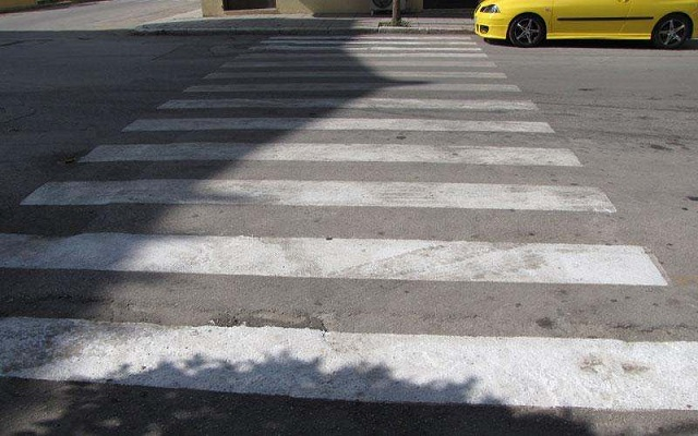 Οδηγός γρονθοκόπησε πεζό στο κέντρο των Τρικάλων γιατί διέσχιζε με αργό βήμα τη διάβαση