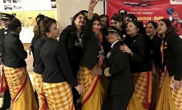 Γυναικεία υπόθεση: Η πρώτη παγκοσμίως πτήση με αποκλειστικά «θηλυκό» πλήρωμα