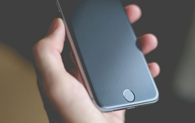 iPhone: Το 2019 όλα τα μοντέλα θα έχουν OLED οθόνες