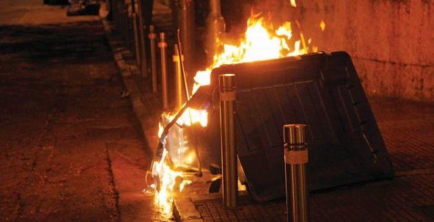 Οι κάτοικοι έσβησαν τη φωτιά & «συνέλαβαν» και τον εμπρηστή