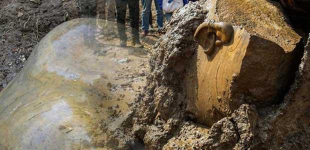 Κολοσσιαίο άγαλμα πιθανότατα του Ραμσή Β΄βρέθηκε σε φτωχογειτονιά του Καΐρου [εικόνες]