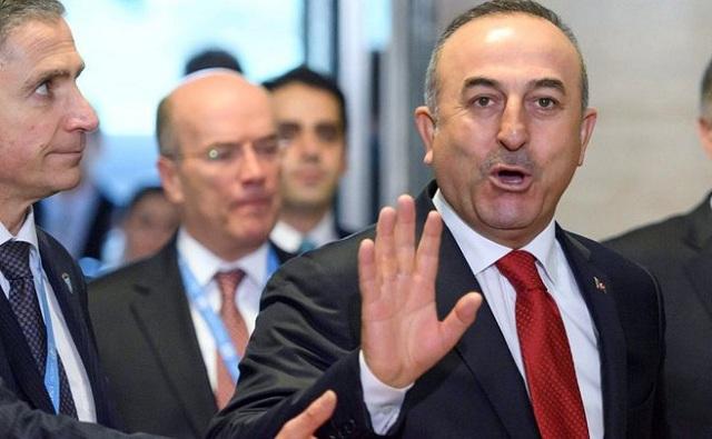 Τελεσίγραφο Τσαβούσογλου: Χωρίς βίζα για τους Τούρκους η συμφωνία για το προσφυγικό κινδυνεύει