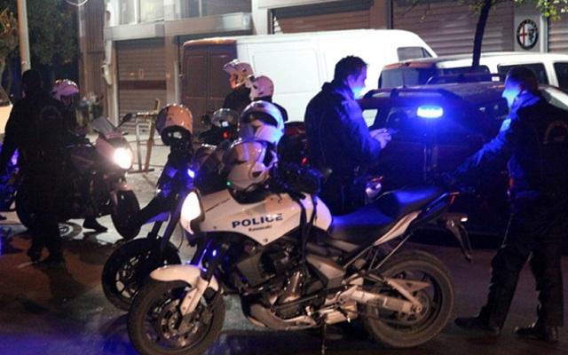 Συμπλοκή παρέας 6 ατόμων με αστυνομικούς στη Λάρισα