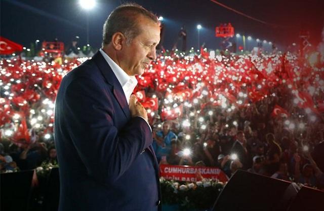 Ερντογάν μαινόμενος: Θα το πληρώσει η Ολλανδία. Φασιστική και ρατσιστική η Ευρώπη