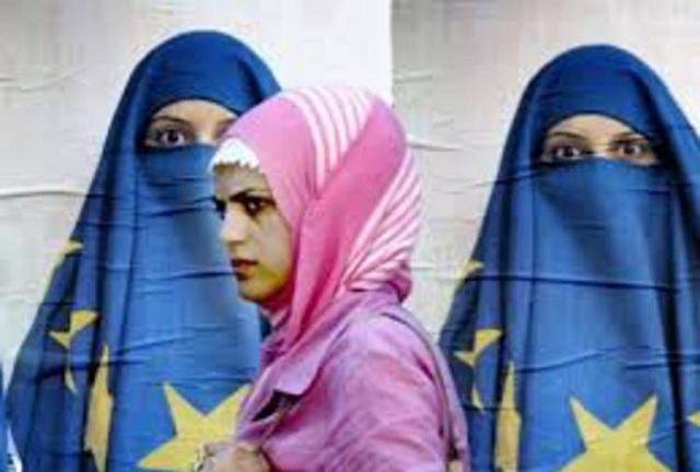 Απόφαση-σταθμός: Οι εργοδότες μπορούν να απαγορεύουν στους υπαλλήλους τους να φορούν μαντίλα
