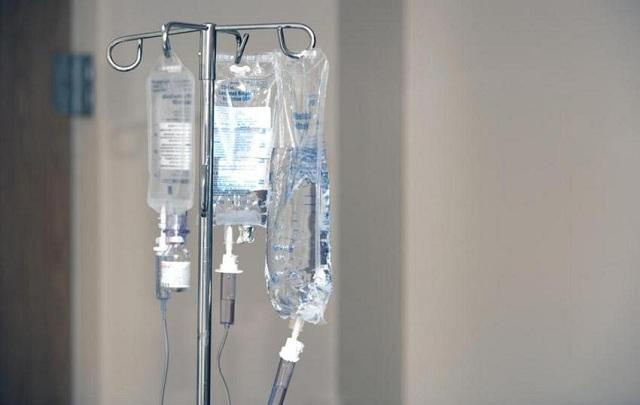 Θα επιχειρήσουν να «ξυπνήσουν» σήμερα τον γιατρό που τραυματίστηκε από πτώση στο «Ελπίς»