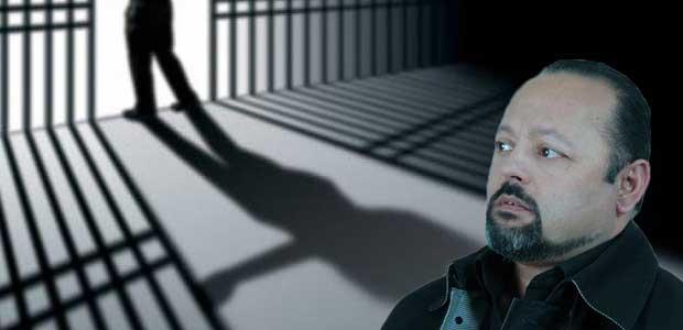 Στη φυλακή οδηγείται ο Αρτέμης Σώρρας. Καταδικάστηκε σε 8 χρόνια