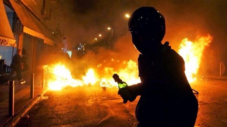 Επίθεση με μολότοφ εναντίον διμοιρίας των ΜΑΤ στην Πατησίων