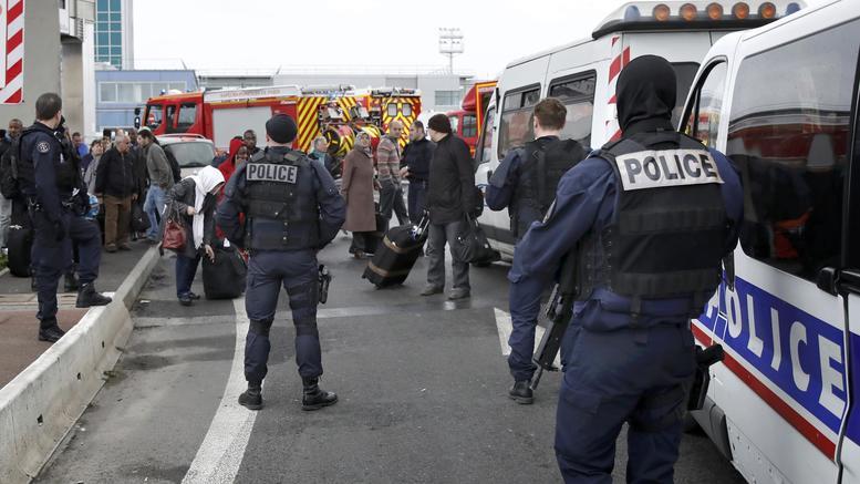 Τζιχαντιστής γνωστός στις αρχές ο δράστης της επίθεσης στο Ορλί