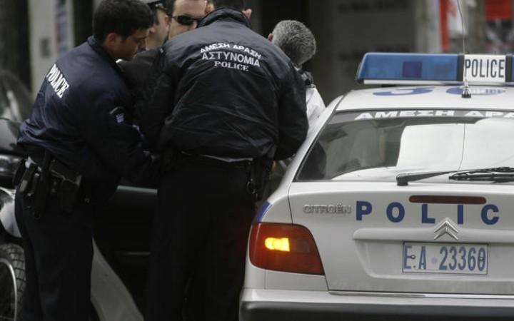 Συνελήφθησαν επτά άτομα με πλαστές προσκλήσεις πριν από αγώνα βόλεϊ