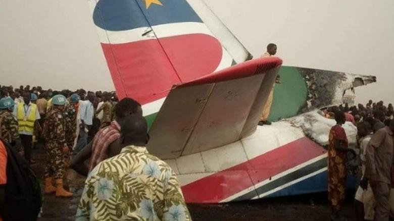 Πώς κατάφεραν να σωθούν οι 45 επιβάτες του αεροπλάνου που συνετρίβη