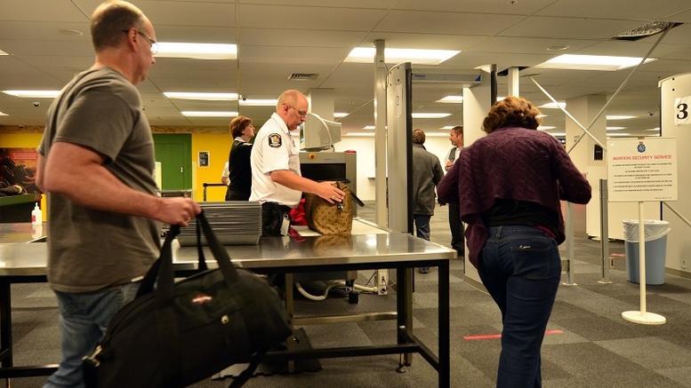 Οι ΗΠΑ απαγορεύουν μεγάλες ηλεκτρονικές συσκευές στις πτήσεις