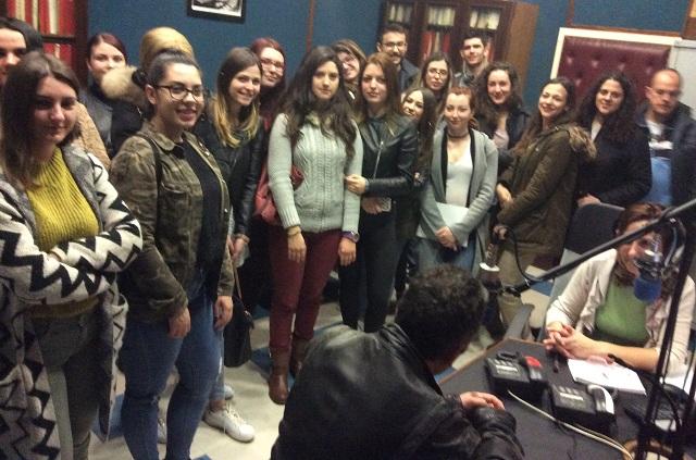 Φοιτητές και φοιτήτριες του Π.Θ. στο μικρόφωνο της ΕΡΤ Βόλου