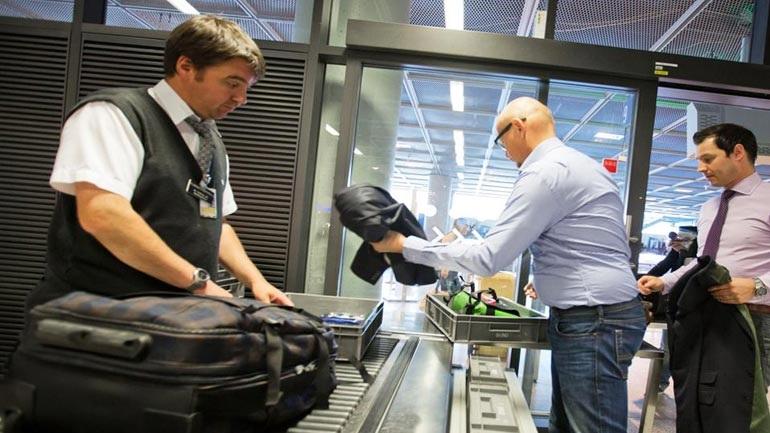 Και η Αγγλία απαγορεύει τη μετακίνηση ηλεκτρονικών συσκευών σε επιβάτες από χώρες της Μέσης Ανατολής