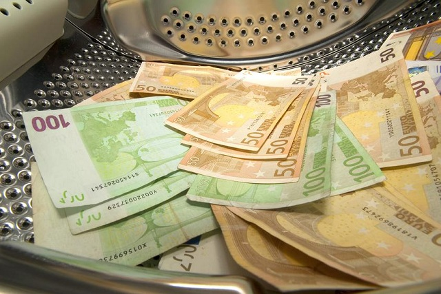 «Πλυντήριο» ρωσικού χρήματος δεκάδες γερμανικές και βρετανικές τράπεζες
