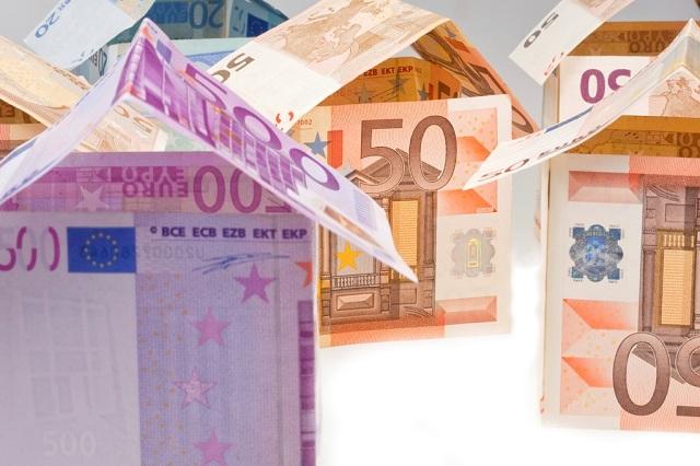 Τι σπίτια αγόρασαν οι Ελληνες, σε ποιες περιοχές και πόσο [πίνακες]