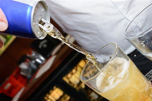 Μην αναμειγνύετε τα ενεργειακά ροφήματα με αλκοόλ