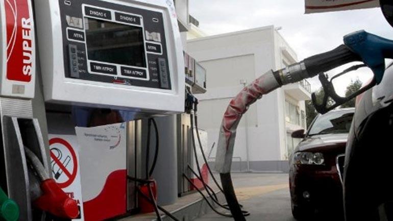 Πέντε συλλήψεις για διακίνηση νοθευμένων καυσίμων σε πρατήρια της Αττικής