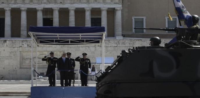 25η Μαρτίου: Μεγαλοπρέπεια στην στρατιωτική παρέλαση στην Αθήνα