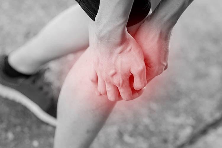 Καταστρέφετε τα γόνατά σας εάν κάνετε αυτά τα 4 πράγματα