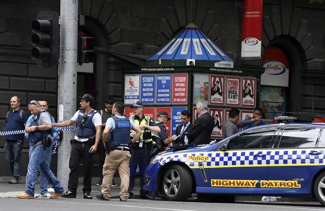 Τον τρόμο σκόρπισε σε εμπορικό κέντρο άνδρας που τραυμάτισε υπάλληλο με τσεκούρι