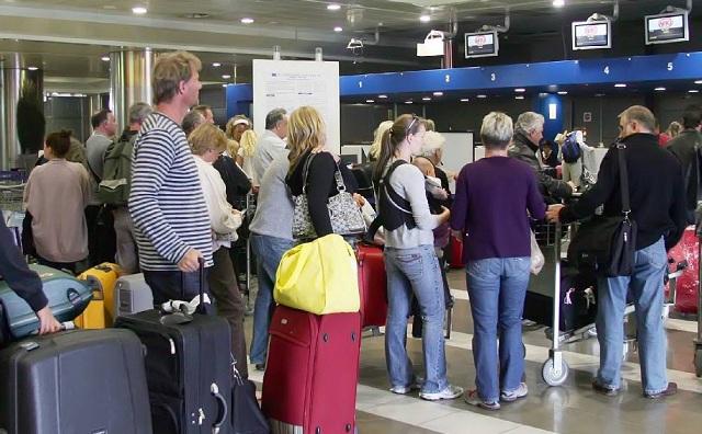 «Καταστήματα Αφορολογήτων Ειδών» για τα 14 περιφερειακά αεροδρόμια