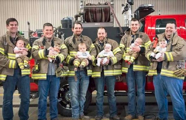 Έξι πυροσβέστες στο ίδιο τμήμα έγιναν όλοι μπαμπάδες σε μόλις επτά μήνες