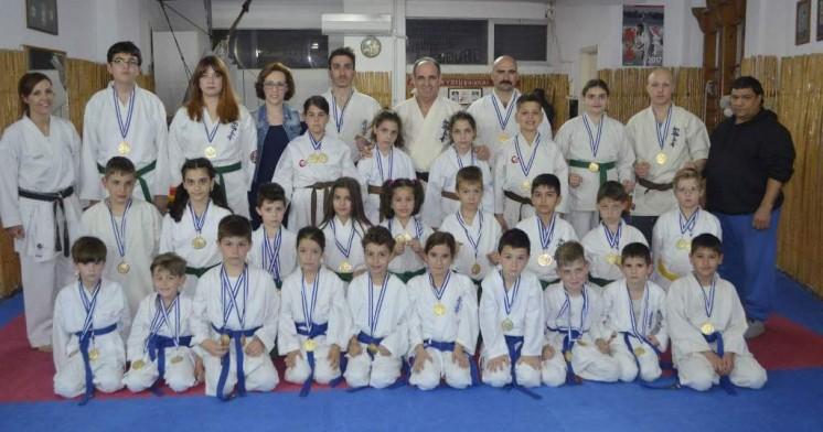 50 μετάλλια για την «Ακαδημία» shinkyokushinkai