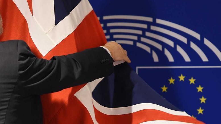 «Σήμα κινδύνου» για τις επιπτώσεις του Brexit