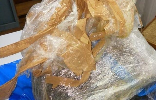 Τουρίστες βρήκαν 11 κιλά ακατέργαστη κάνναβη σε παραλία