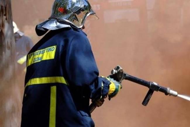 Πυρκαγιά σε χωράφι στη Δράκεια