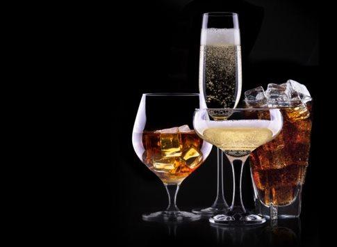Η σχέση μας με το αλκοόλ: Τα καλά και τα κακά νέα