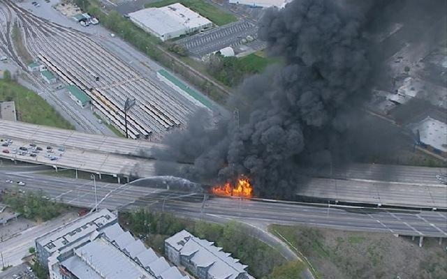 Κόλαση φωτιάς στην Ατλάντα προκαλεί την κατάρρευση τμήματος της εθνικής οδού