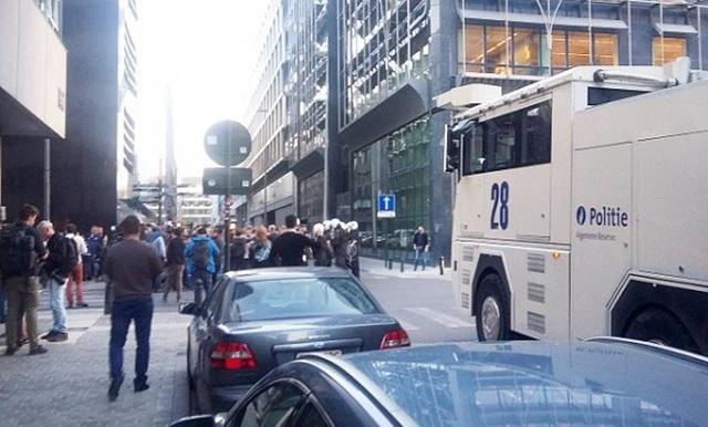Έξι τραυματίες από τις συγκρούσεις έξω από το τουρκικό προξενείο στις Βρυξέλλες