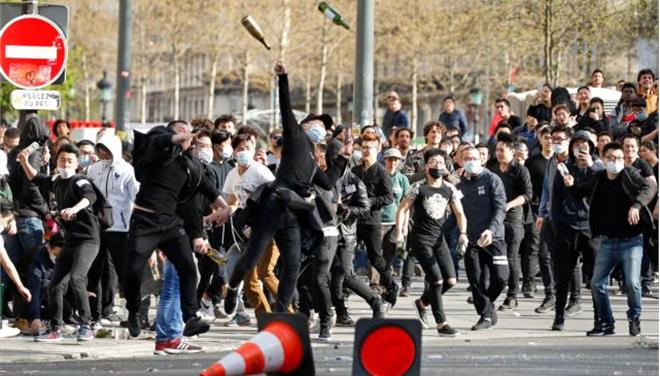 Παρίσι: Επεισόδια σε διαδήλωση για τον φόνο Κινέζου από αστυνομικό