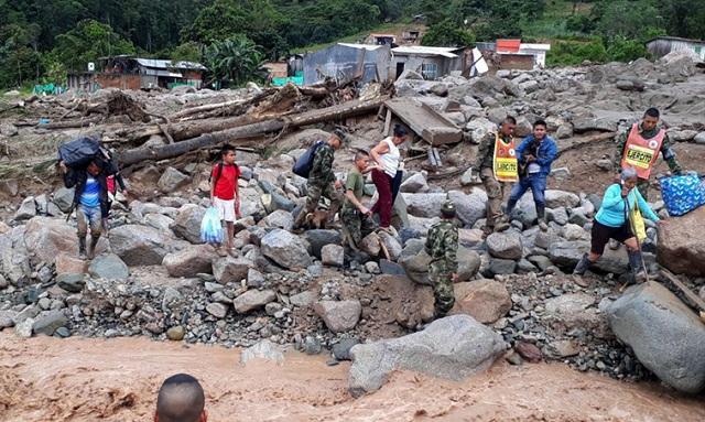 Θρήνος και απόγνωση στην Κολομβία: 254 νεκροί από την κατολίσθηση λάσπης [εικόνες]