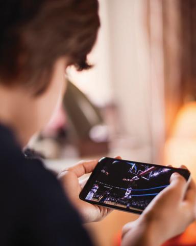 Οι κίνδυνοι από την ακτινοβολία των κινητών - Προσοχή στα παιδιά