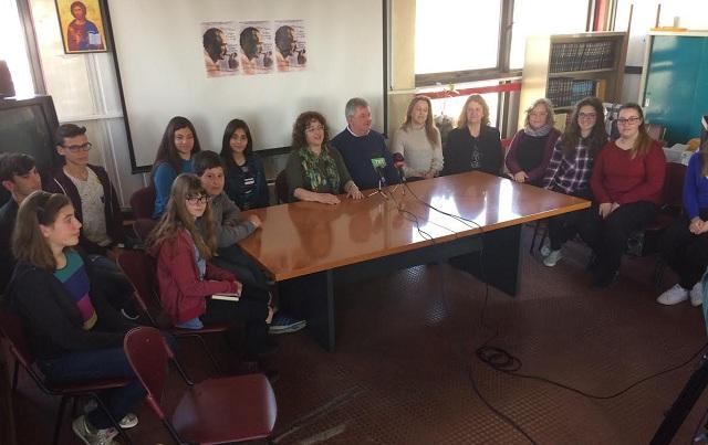 Οι μαθητές τιμούν τον Καζαντζάκη
