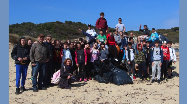 Δέκα τόνοι σκουπίδια συγκεντρώθηκαν στις Σποράδες
